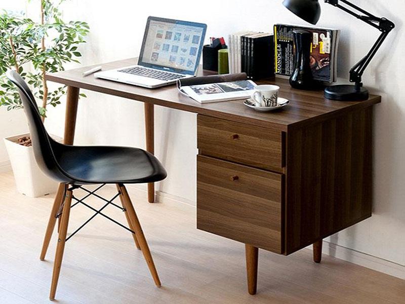 Vì sao nên sử dụng bàn làm việc hiện đại gỗ tự nhiên