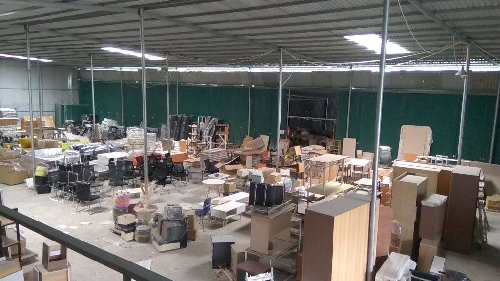 Tại kho hàng của Lương Sơn sẵn rất nhiều mẫu nội thất cho phòng khách giá rẻ
