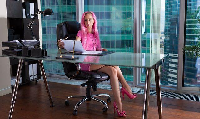 Chọn một chiếc ghế văn phòng phù hợp sẽ cho bạn cảm giác ngồi thoải mái hơn