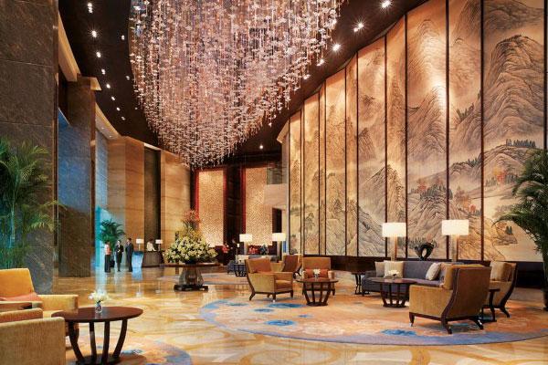 Vai trò của bộ bàn trà trong không gian khách sạn