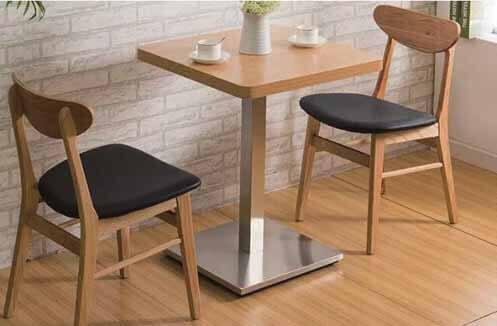 Bàn ghế quán café bằng gỗ có độ bền cao