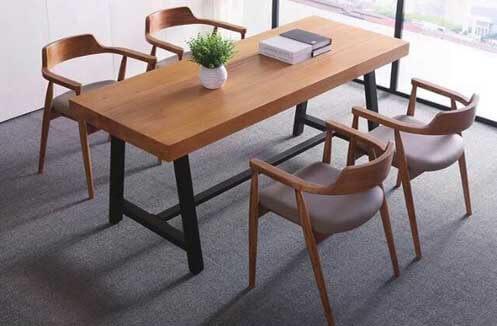 Bàn ghế bằng gỗ quán café thiết kế dáng dài